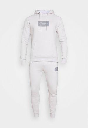 BOX LOGOTRACKSUIT SET - Tuta - white