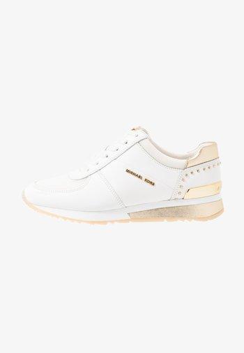 ALLIE WRAP TRAINER - Sneakersy niskie - optic white/platin gold