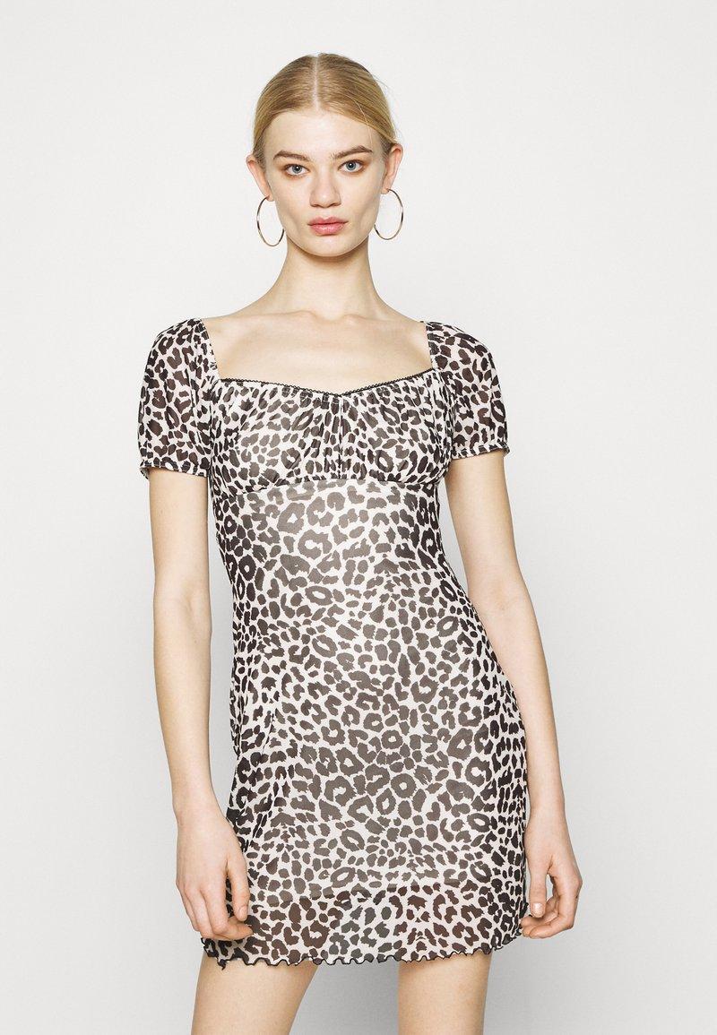 Topshop - NEW MONO LEOPARD MINI DRESS - Shift dress - mono