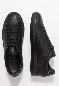 Roberto Cavalli - Baskets basses - black - 1