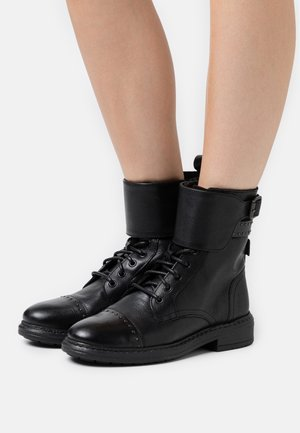 SLY STUDS - Cowboy/biker ankle boot - regular black