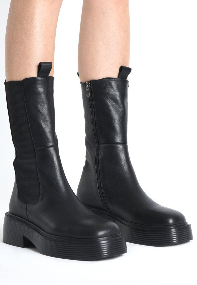 Inuovo - Platform ankle boots - black blk