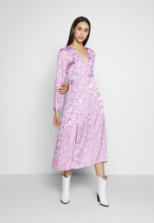 PCALIA  DRESS  - Vestido informal - orchid bouquet