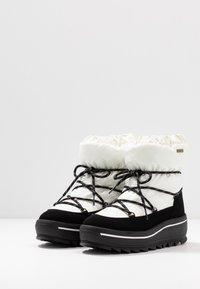 Pajar - TAYA - Zimní obuv - white - 4
