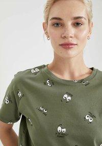 DeFacto - Print T-shirt - khaki - 4