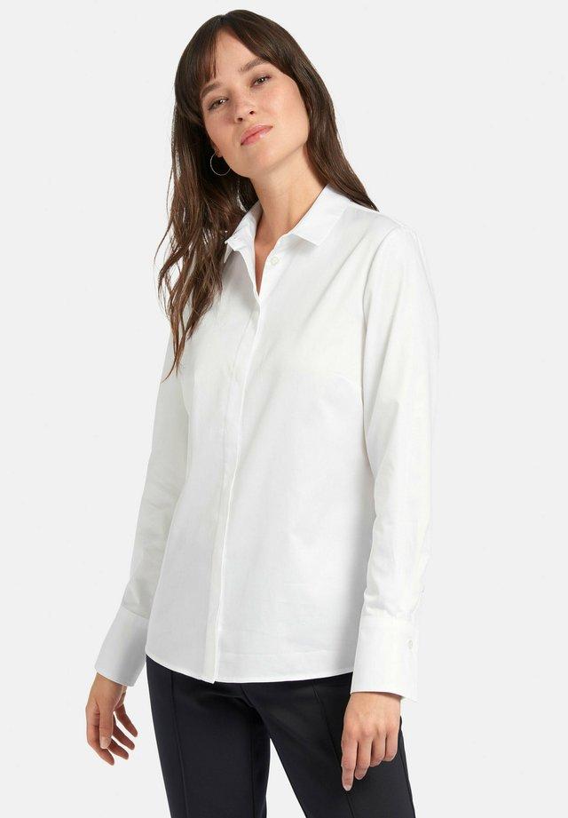 MIT KLEINEM HEMDKRAGEN - Overhemdblouse - weiß