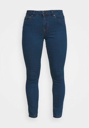 VMJUDY - Jeans Skinny Fit - medium blue denim