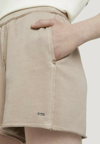 TOM TAILOR DENIM - Shorts - dune beige - 4
