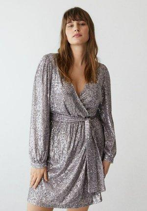 MIT GÜRTEL - Vestido de cóctel - helllila/pastelllila