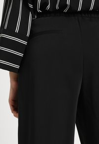 Monki - TARJA TROUSERS - Tygbyxor - black - 3
