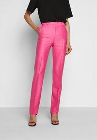Victoria Victoria Beckham - DRAINPIPE - Pantalon classique - candy pink - 0