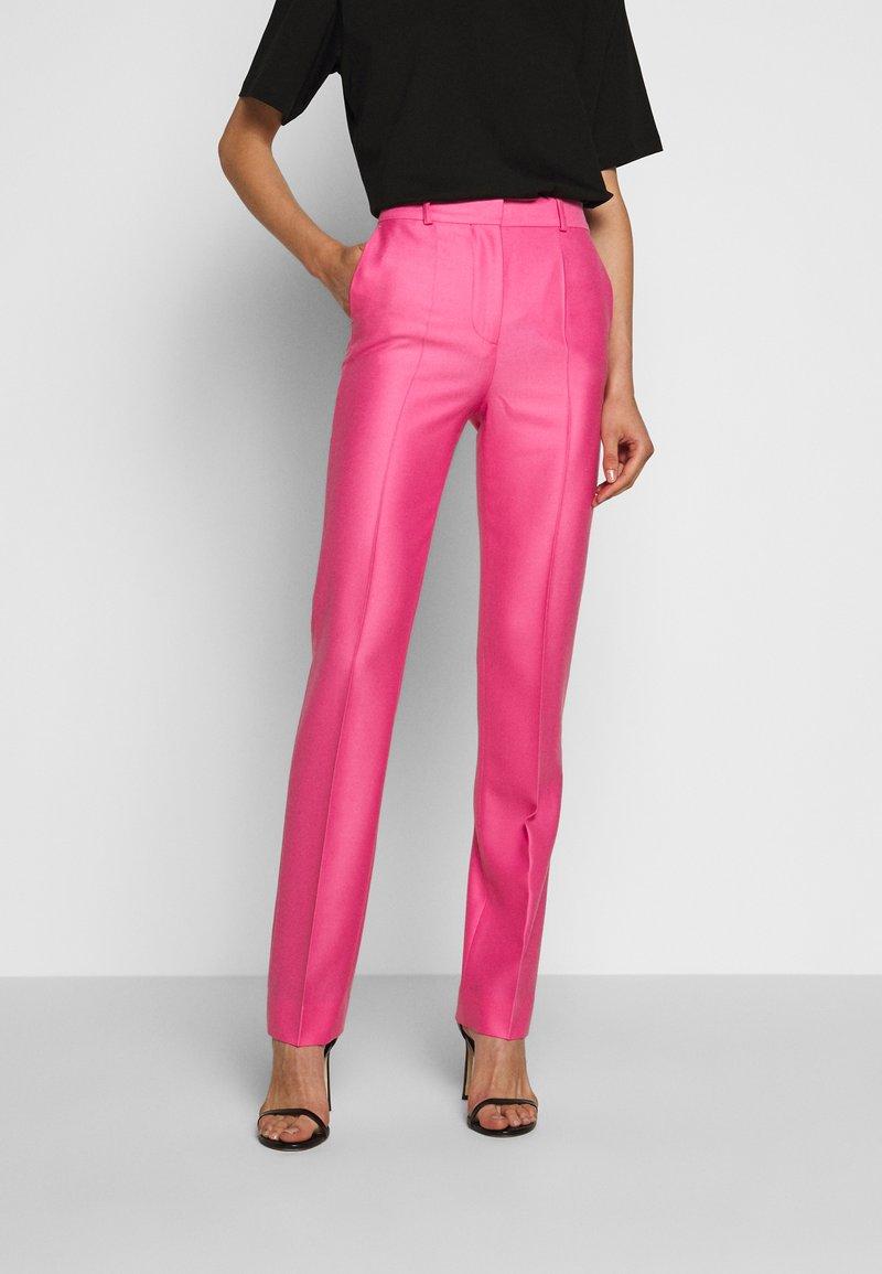 Victoria Victoria Beckham - DRAINPIPE - Pantalon classique - candy pink