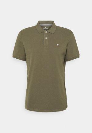 BASIC WITH CONTRAST - Polo shirt - oak leaf green