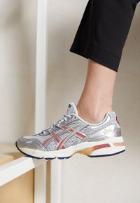 ASICS SportStyle - GEL-1090 - Trainers - glacier grey/pure silver - 2