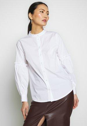 BLOUSE - Skjortebluser - white