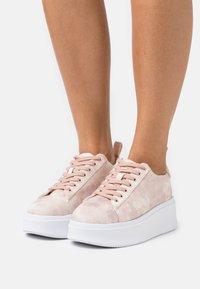 Call it Spring - VEGAN COLOSSAL - Baskets basses - light pink - 0