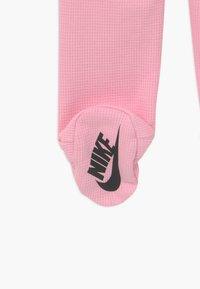 Nike Sportswear - NIKE SET - Čepice - pink - 4
