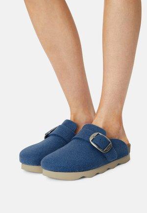 Tohvelit - jeans