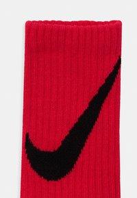 Nike Sportswear - CREW 6 PACK UNISEX - Socks - red/blue/black - 2