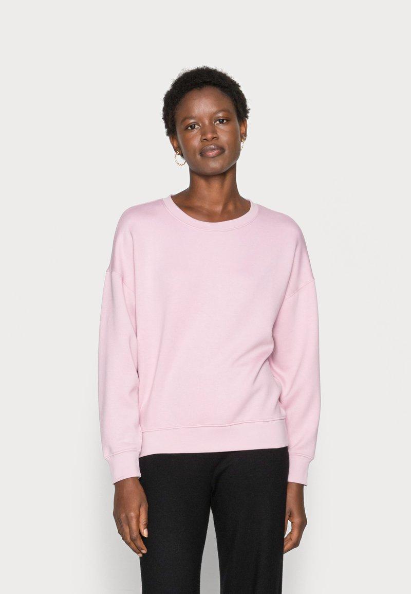 Moss Copenhagen - Collegepaita - dawn pink