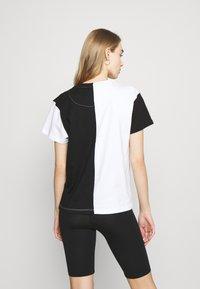 Karl Kani - SIGNATURE BLOCK TEE - Print T-shirt - black - 2