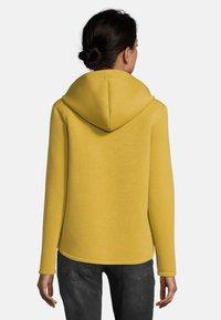 Amber & June - MIT KAPUZE - Zip-up hoodie - yellow - 2