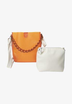 Käsilaukku - arancio