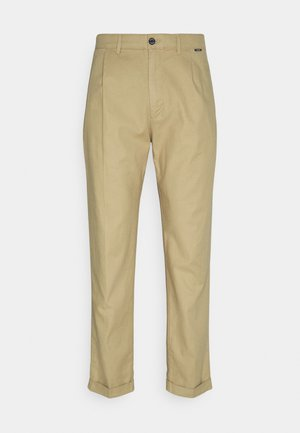 TAPERED PLEAT - Trousers - travertine