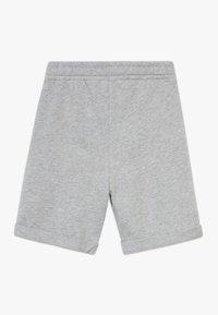 Benetton - BERMUDA - Shorts - grey - 1