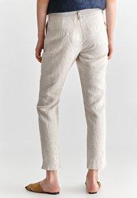 TATUUM - JUKI  - Trousers - beige melange - 2