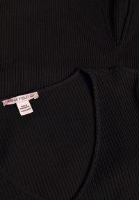 Anna Field Tall - BASIC JUMPER DRESS - Pletené šaty - black - 2