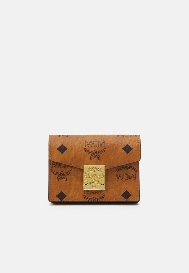 PATRICIA VISETOS CARD CASE MINI - Portafoglio - cognac