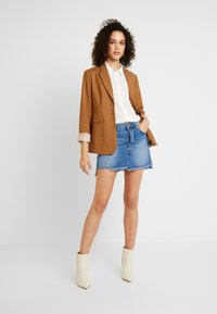One Teaspoon - HOLLYWOOD MID RISE RELAXED MINI SKIRT - A-linjainen hame - hollywood - 1