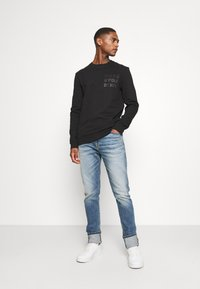 Marc O'Polo DENIM - LOGO PRINT - Sweatshirt - black - 1