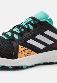 adidas Performance - TERREX SPEED FLOW  - Obuwie do biegania Szlak - core black/crystal white/acid mint - 5