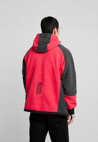 The North Face - RAGE CLASSIC HOODIE - Fleece jacket - rose red/asphalt grey - 2