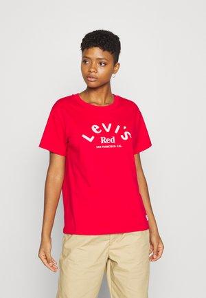 BOYFRIEND TEE - T-shirts med print - dark red