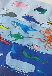 Boden - MIT SCHICHTGRAFIK - Print T-shirt - naturweiß unterwasserszene - 2