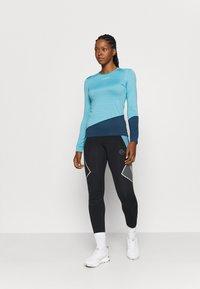 La Sportiva - DASH LONG SLEEVE - Sports shirt - pacific blue/opal - 1