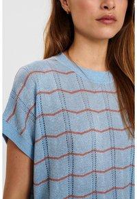 Nümph - NUDARLENE DARLENE - Print T-shirt - airy blue - 2