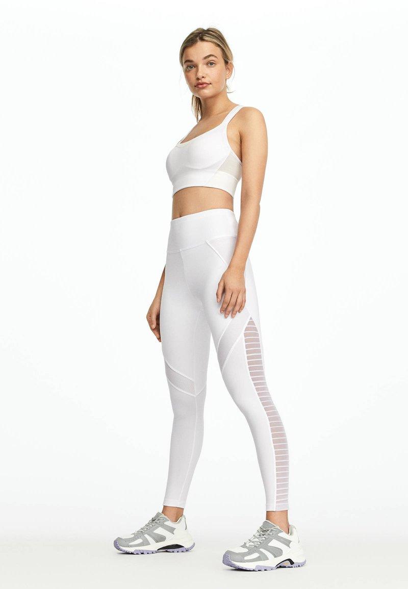 OYSHO - LEGGINGS IM BIKER-LOOK 32221222 - Legging - white