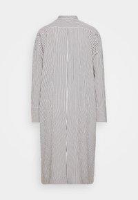 Proenza Schouler White Label - STRIPED PAJAMA CAFTAN - Denní šaty - optic white/cream/black - 1