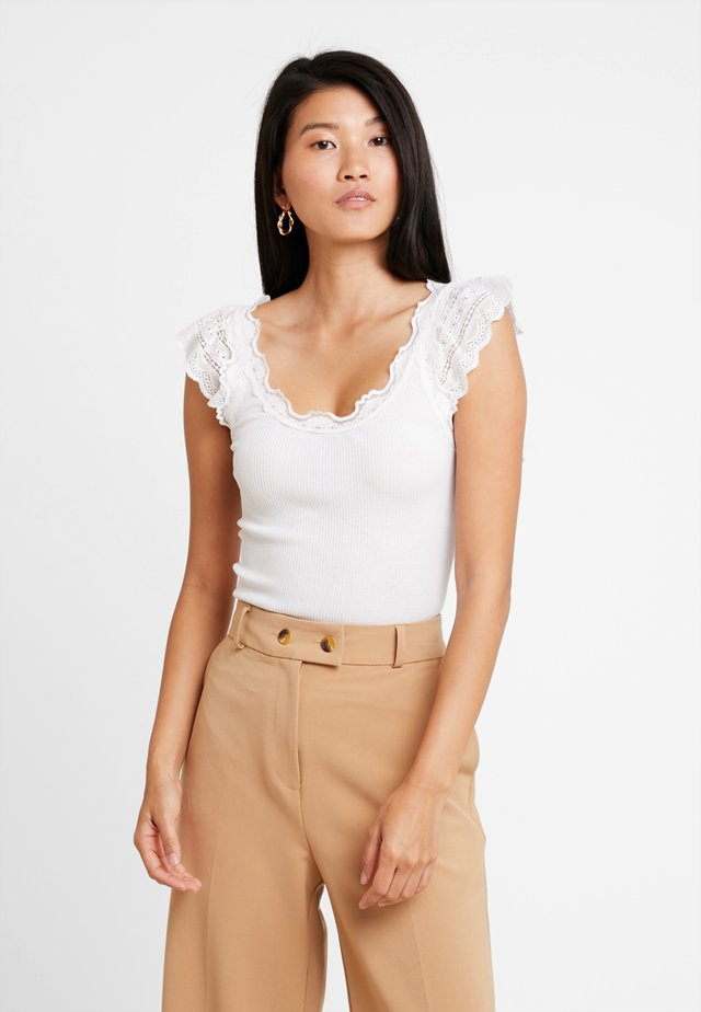 SILK-MIX TOP REGULAR W/WIDE LACE - Top - new white