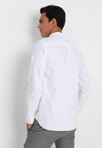 Lyle & Scott - REGULAR FIT  - Skjorta - white - 2