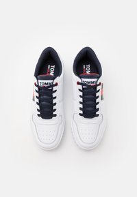 Tommy Jeans - RETRO - Trainers - white - 3