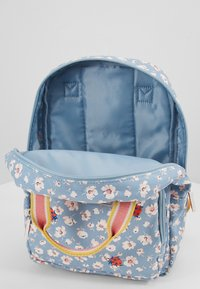 Cath Kidston - MED BACKPACK WASHED DITSY - Reppu - washed ditsy ladybird - 5