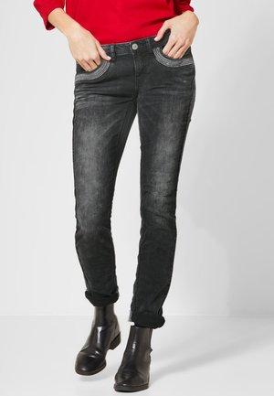 MIT TASCHENDEKO - Slim fit jeans - black