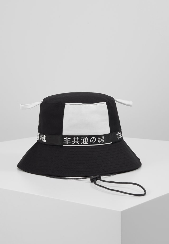 BUCKET - Hat - black