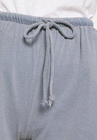 American Vintage - VEGIFLOWER - Shorts - bleu gris - 4