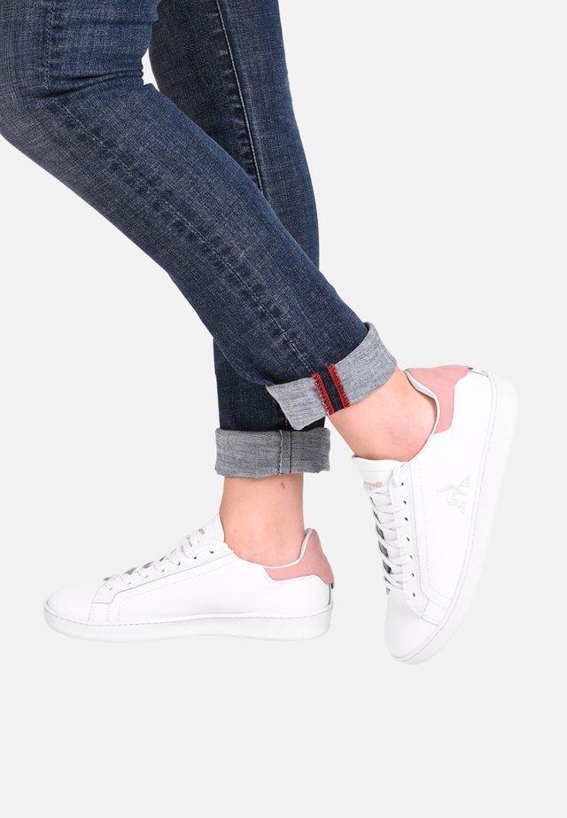 ADVANTAGE - Sneakers laag - white